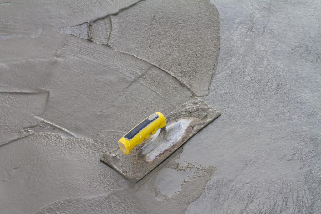 Trowel on a fresh concrete
